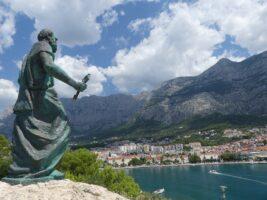 Makarska Statue