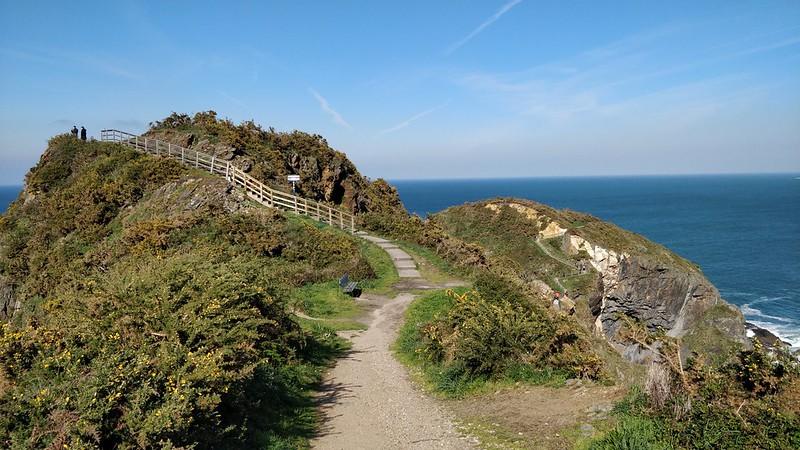Viveiro Hiking Path