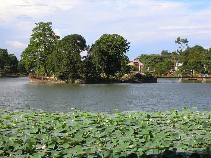 Padum Pukhuri
